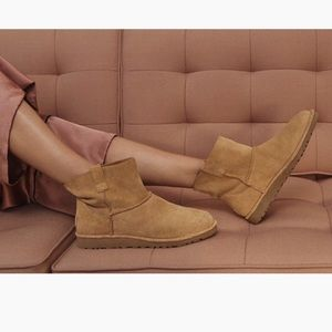 NWOT Authentic UGG Tan Unlined Classic Mini Boots